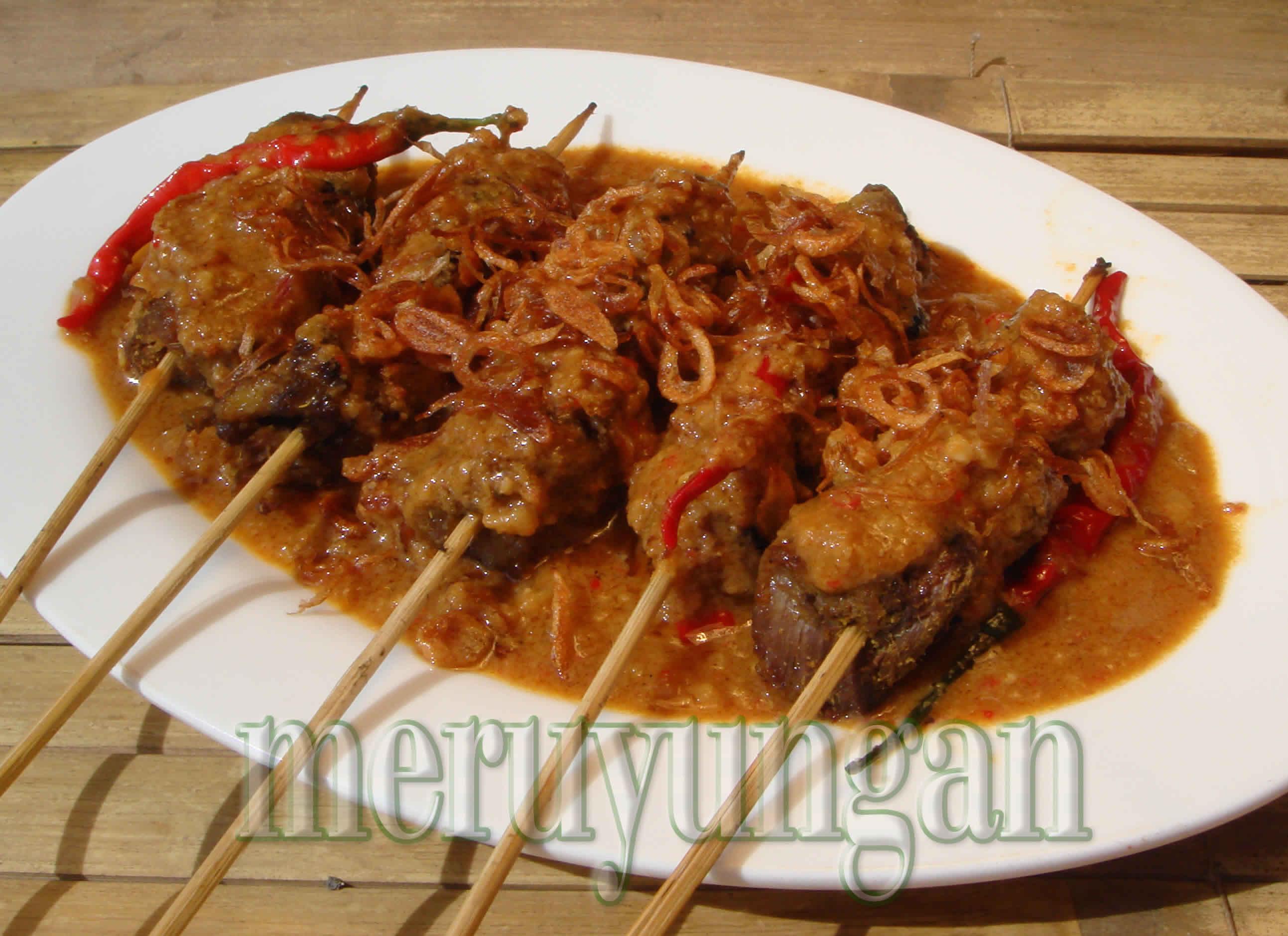 Sate Kajang (sate ayam bumbu kacang dengan aroma timur tengah)